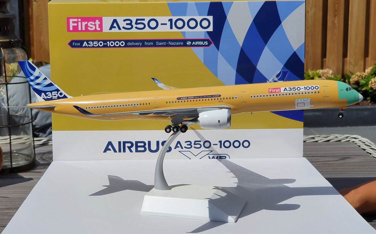 JC Wings Airbus A350-1000 House Colors 'Bare Metal' F-WMIL €125