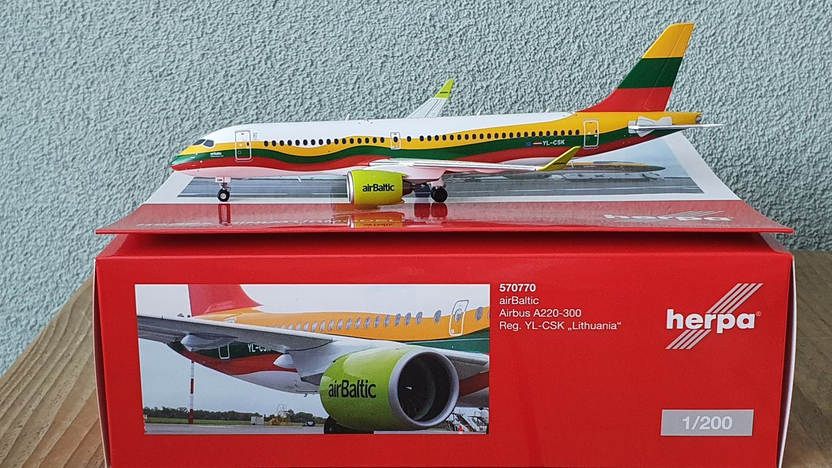 "Herpa Airbus A220-300 Air Baltic ""Lithuania"" YL-CSK €62,50"